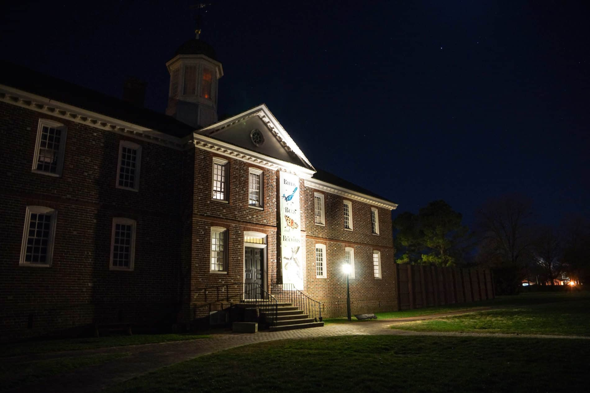most haunted buildings in Williamsburg Virginia